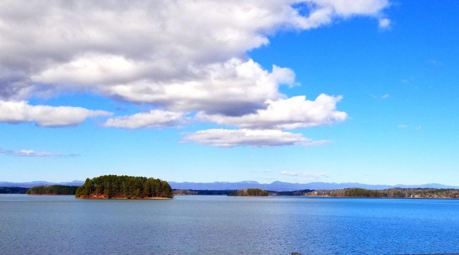 Lake Keowee Real Estate Expert Stunning Views!
